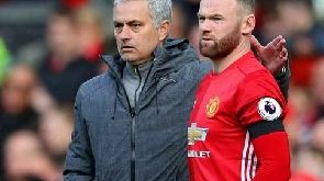 Rooney tells Man Utd flops to do better