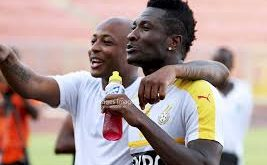 Profess of a rift between Ayew and Gyan depot with a hearty chat