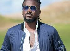 I asked my schoolmates to take photos with me because i knew i was going to be a great musician – Samini